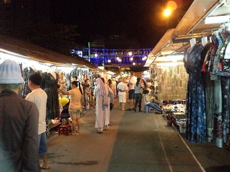 38 買い物は朝市と市場にナイトマーケット (1)