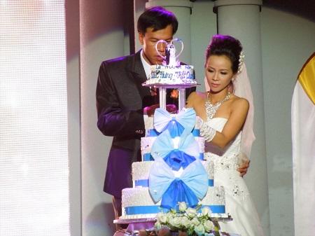 結婚式のケーキカット