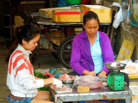 44 ベトナム人の朝はとても早い (1)