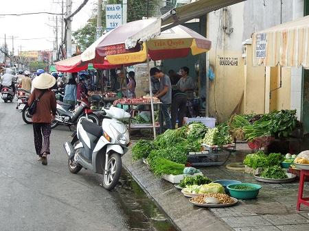 青空市・手前に野菜