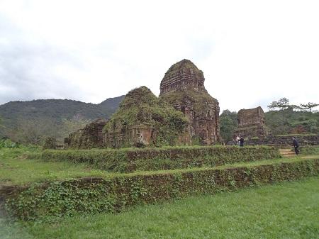89 チャム族の聖域、ミーソン遺跡 (1)