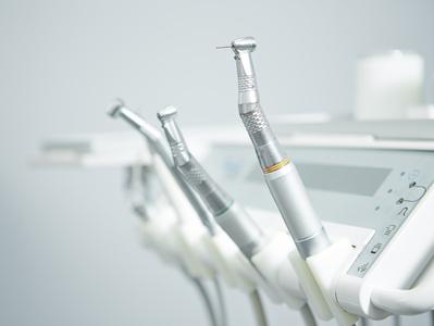 歯科医の治療器具