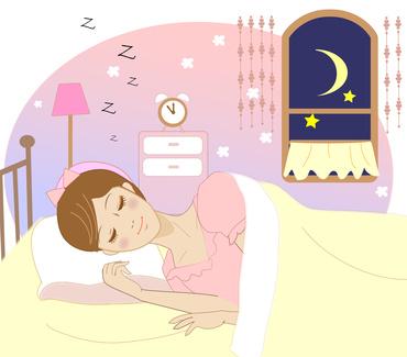 寝ている女性と目覚まし時計