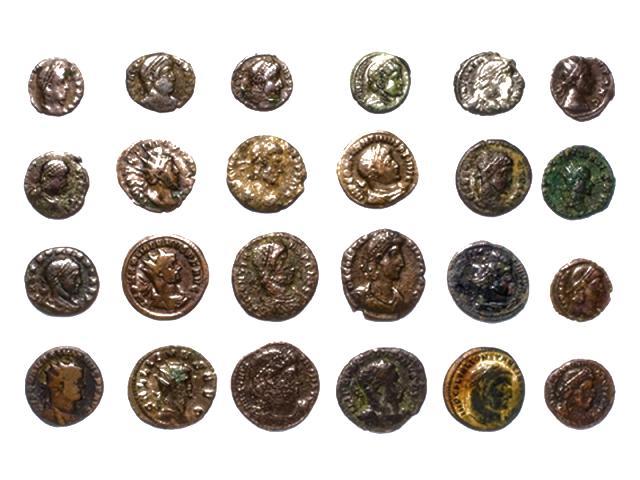 現地で使える硬貨の数々