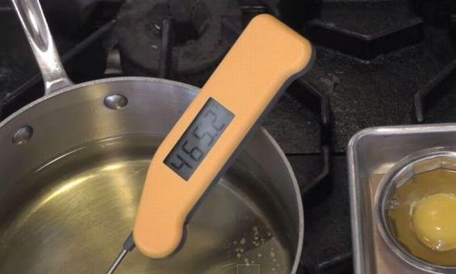 鍋の温度を計る