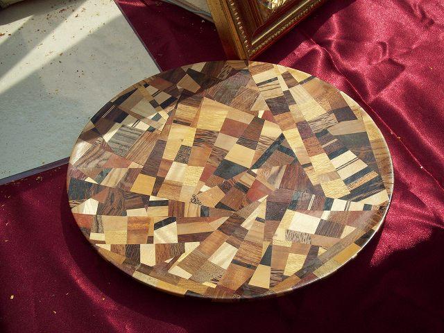 きれいな木のお皿
