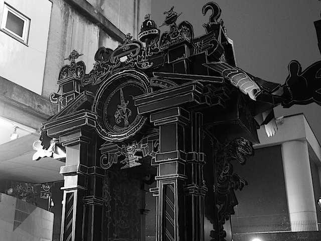 伝統建築の雰囲気を持ちながらユニークでポップな作品