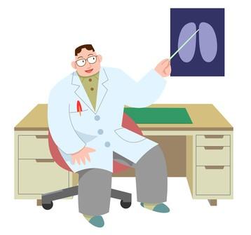 レントゲン写真を説明する医師