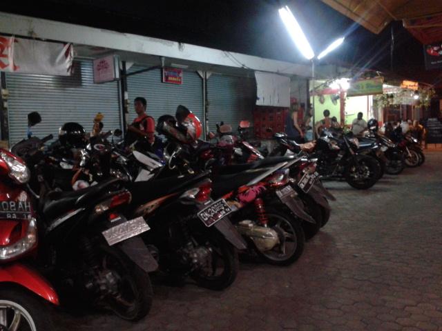 バイクの駐車場はいつも満車です